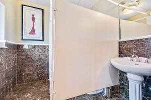 x1-professional-suites-restroom